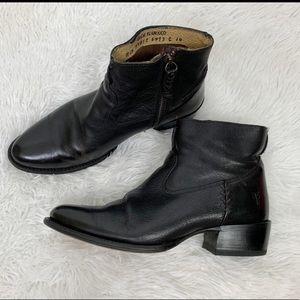 Frye Diane stitch short boots size 8.5!